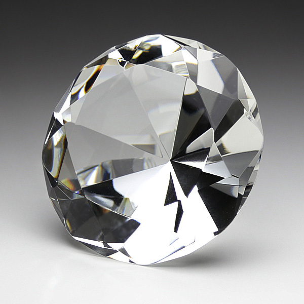 リングピローとダイヤモンドの ...